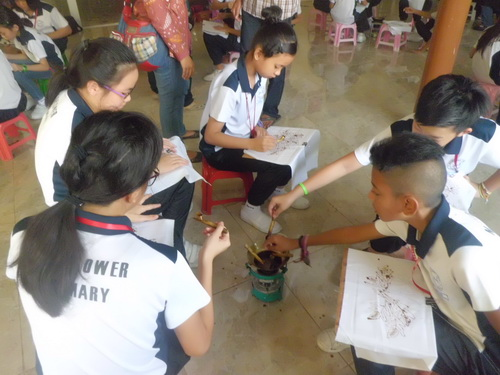 Pelatihan membatik MayFlower Primary School Singapore